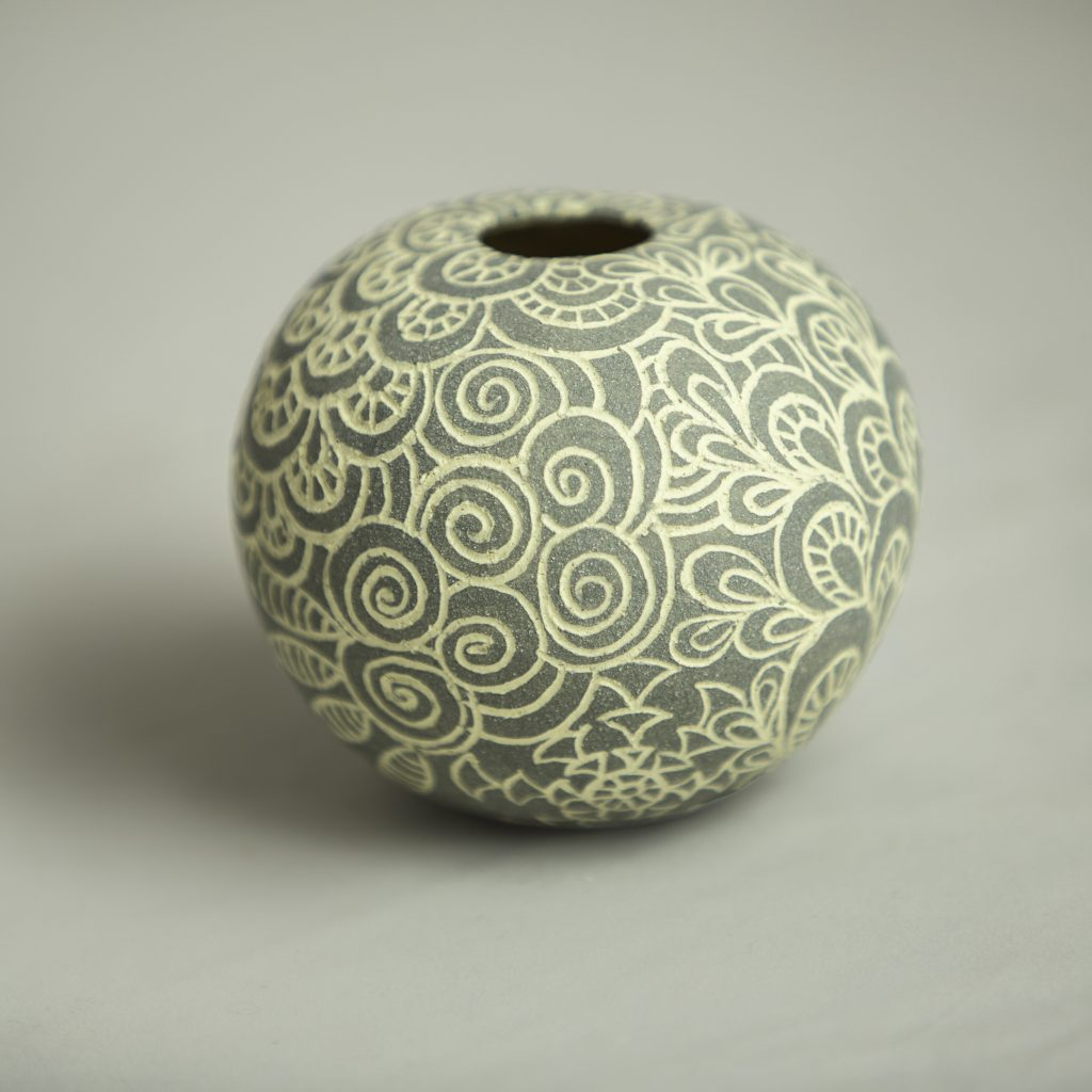 SOLD Grey Sgraffito Round - 8.5cm x 8cm approx'