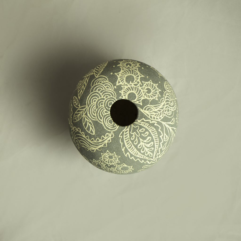 Round Sgraffito 11cm x 8cm approx' SOLD